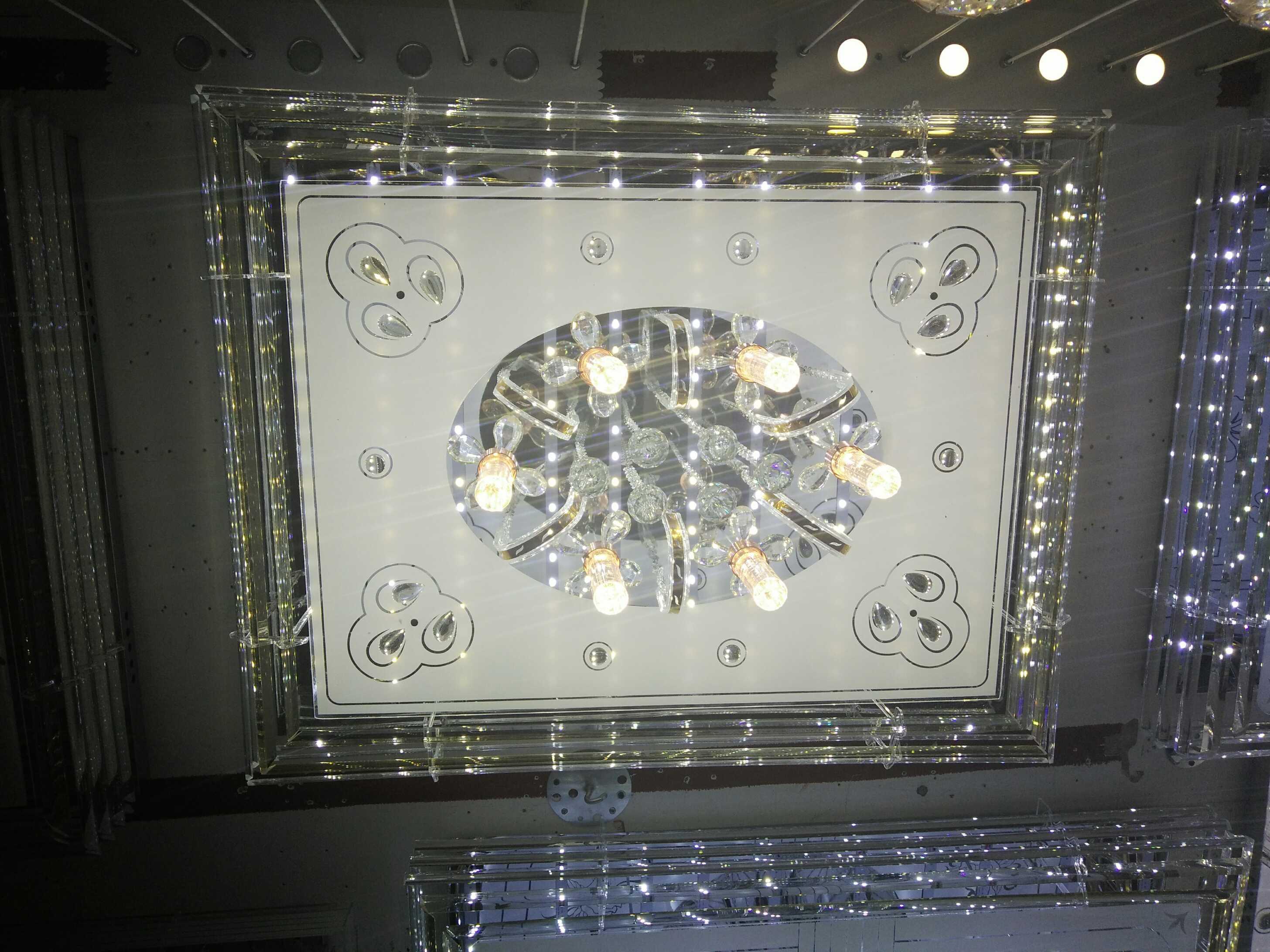 客廳平板水晶燈