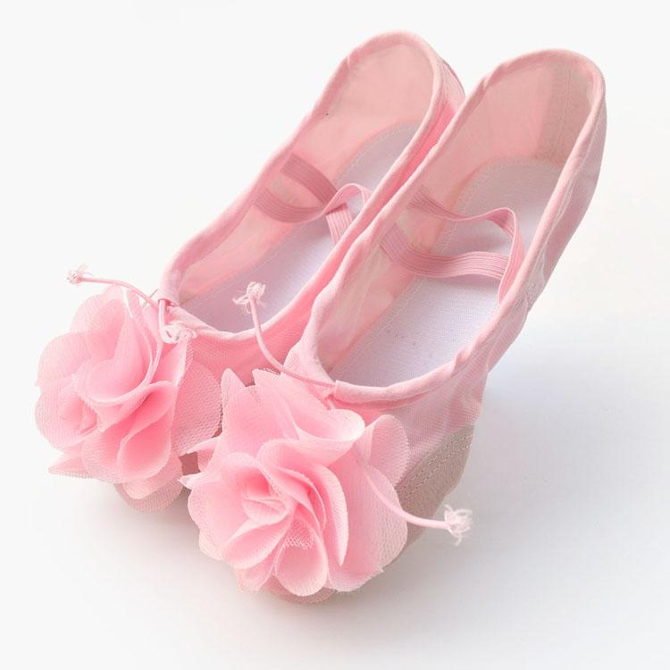 幼儿穿鞋子的步骤图片