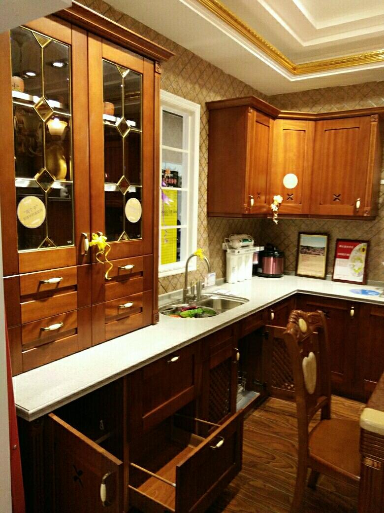 欧式吸塑描金整体定制厨房